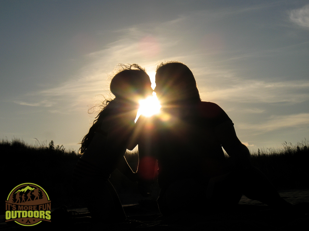 Sunset Silhouette Photography: #3 of 3 fun kid-friendly family outdoor activities that keep the kids engaged for hours and will have them begging to go again!