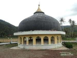 kubah masjid terbawa tsunami