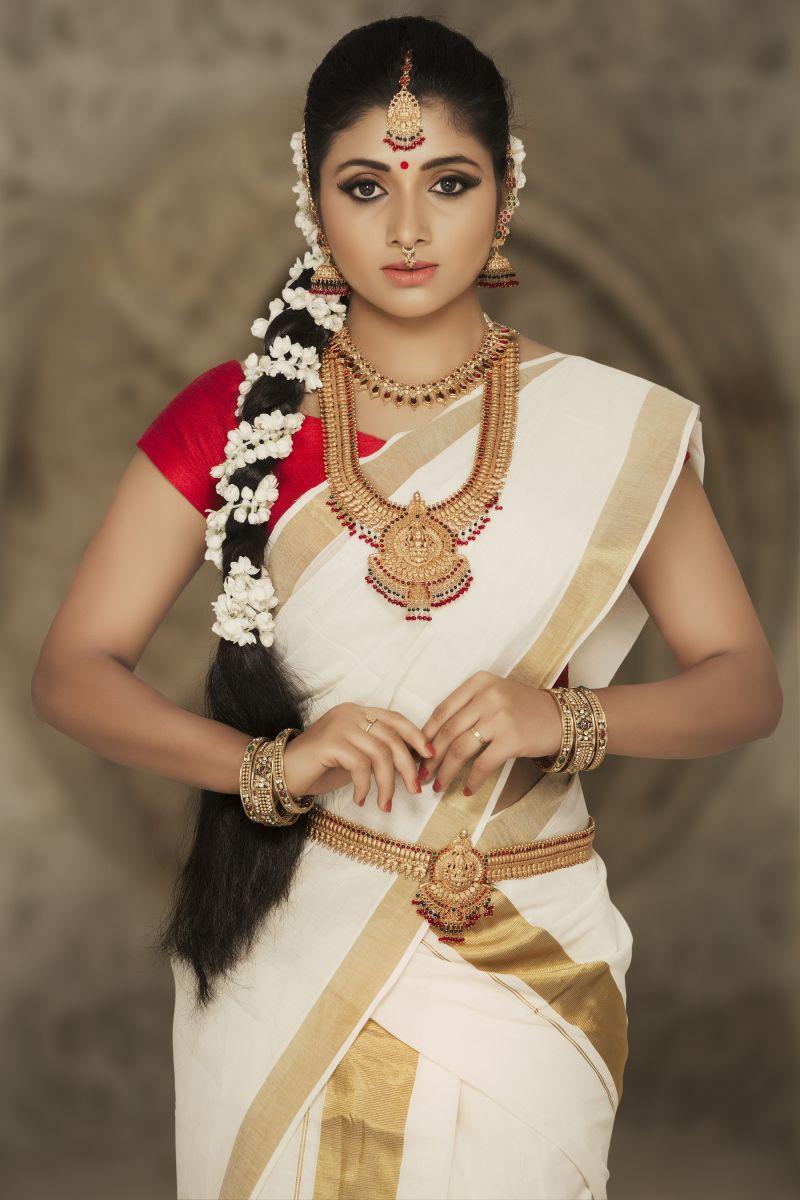 Actress Adhiti New Photo Shoot Images (3)