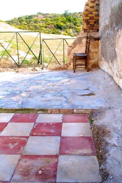 Echoes - Athens Photo Inspiration