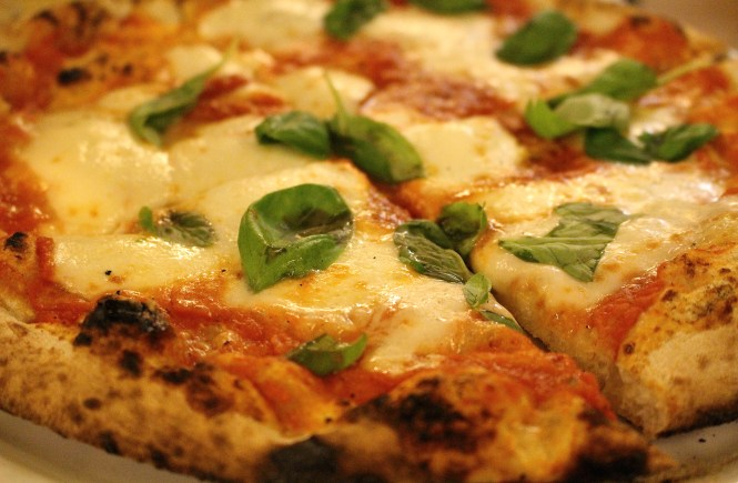 Want to eat the best pizza in Rome? La Gatta Mangiona will not dissapoint!