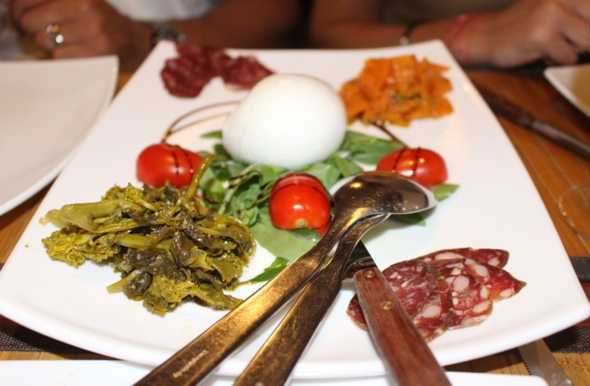 Looking for the BEST Restaurant in Sorrento for dinner or lunch? Inn Bufalito is it!