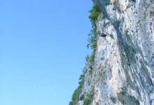 Falaise au lac d'Annecy