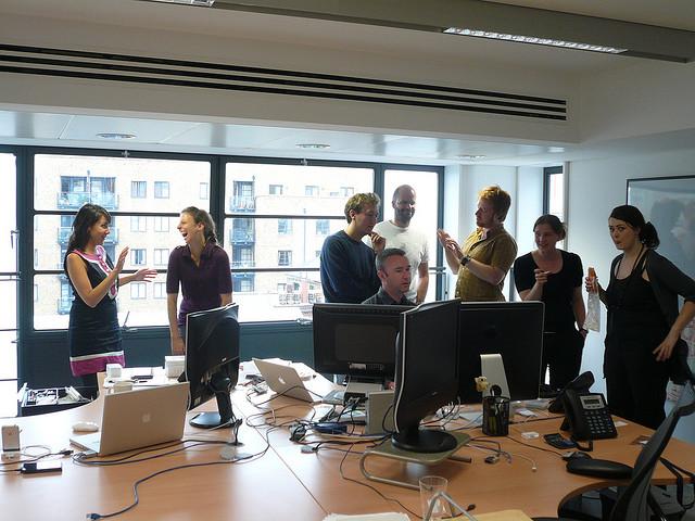 Jak założyć firmę w UK - spotkanie biznesowe