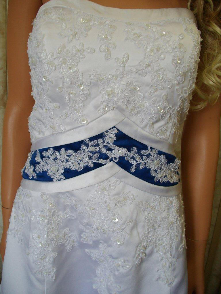 wd royal blue wedding dress White strapless royal blue empire banded waist A line wedding gown Royal Blue Empire and train Wedding Dress covered with beaded lace applique