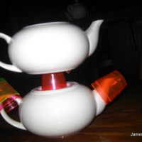 the world bar - teapots