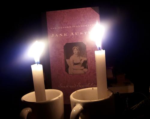 Ler a luz de velas como nos tempos de Jane Austen