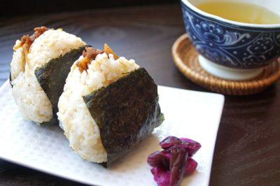 Onigiri with Beef Shigureni Recipe – Japanese Cooking 101