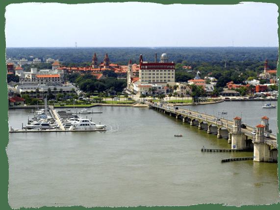 St._Augustine_-Bridge_of_Lions___downtown2