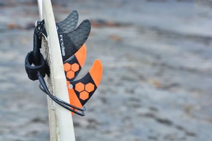 Surfing_Bethells_Beach-New_Zealand_DSC_2652_Small