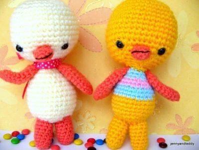 two little chicken amigurumi pattern