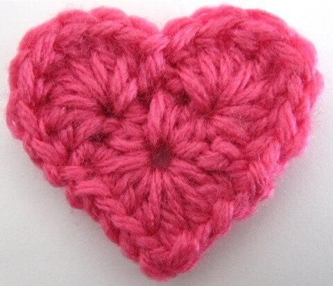 25 free easy crochet heart patterns 18tpmaggiescrochetproductssmall heart free pattern dt1010fo