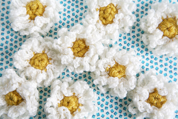 1.crochet daiaiesflower easy free pattern