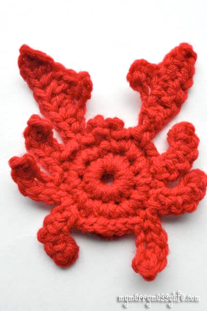 9. a cute crawly crab crochet applique tutorial