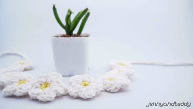 small flower free crochet pattern