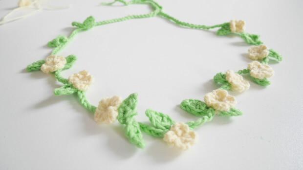 Boho Chic Flowers Headband free crochet pattern