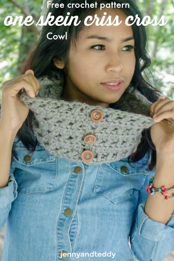 One Skein Criss Cross Crochet Cowl Free Pattern