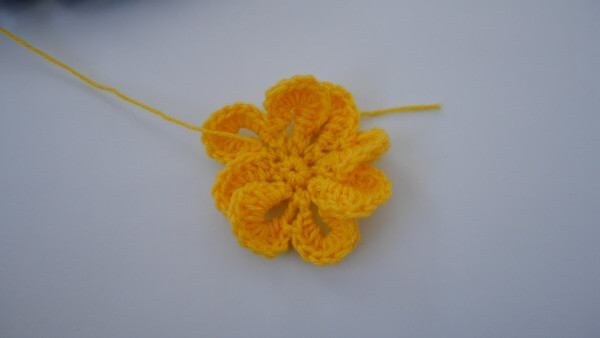crochet flower free pattern 3d