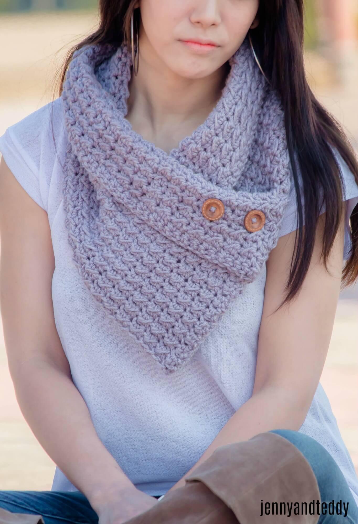 Downtown button cowl free crochet pattern