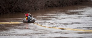 CHARLESTON, WV JANUARY 11, 2014:Emergency crew try to position