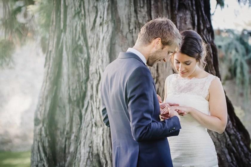 portrait couple mariés mariage robe blanche alliance douceur Jeremy fiori