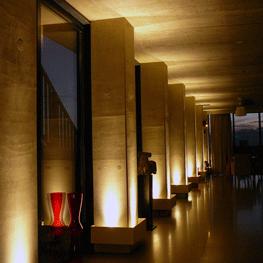 Architectonische verlichting uit aluminium plaat met LED spots