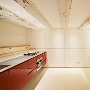 Keuken en kastenwand gespoten souterrain