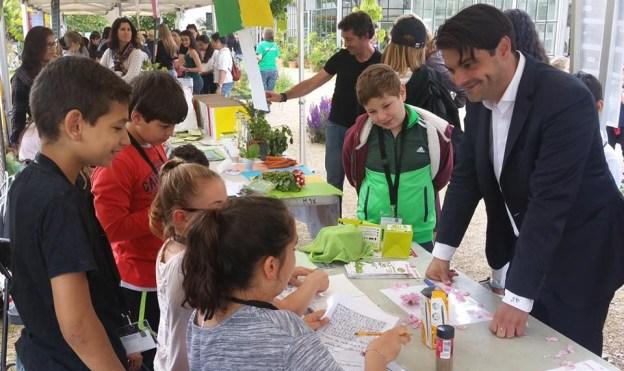 Travaux scolaires sur l'environnement et le développement durable dans les jardins du MIP 02