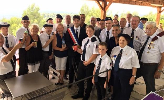 Séance photo avec nos Porte-drapeaux de France 01