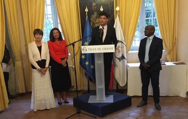 Remise des prix aux lauréats grassois du 1er concours de poésie en langue française 01