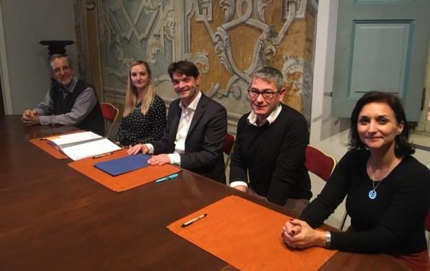 Signature de contrats en service civique avec l'Espace d'Art Concret de Mouans-Sartoux 01