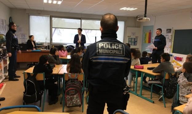 Action citoyenne à l'école des Fleurs de Grasse