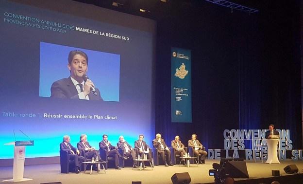 Première réunion des maires de la région SUD PROVENCE ALPES COTE D'AZUR 01