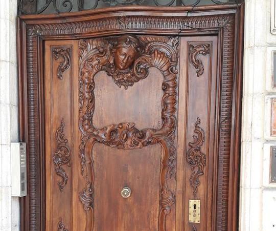 La restauration des portes de la Ville suit son cours