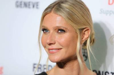 """Gwyneth Paltrow opens up about her """"incrediby painful"""" divorce from Chris Martin - Jetss"""