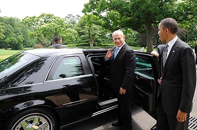 President Obama with Prime Minister Netanyahu on the White House South Lawn Drive