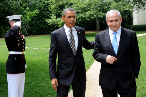 U.S. President Barack Obama escorts Israeli Prime Minister Benjamin Netanyahu out of the Oval Office