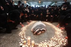Funeral of Rabbi Moshe Yehoshua Hager of the Viznitz hassidim