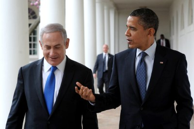 President Obama and PM Binyamin Netanyahu talk