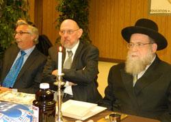 (L-R) Mark Meyer Appel, Rabbi Yosef Blau, and Rabbi Gershon Tannenbaum at model Seder.