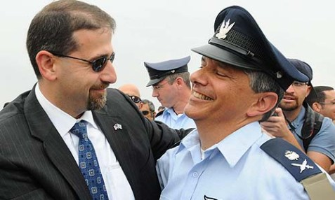 U.S. Ambassador Dan Shapiro with the newly appointed commander of Israel's Air Force Major General Amir Eshel, May 14, 2012.