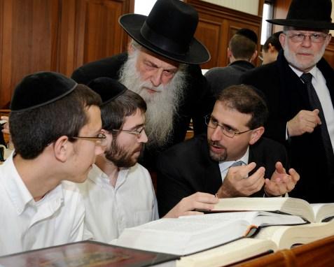 US Ambassador to Israel Dan Shapiro visits the Mir Yeshiva in Jerusalem (January 2012)