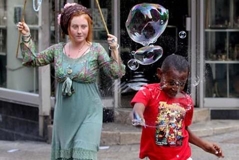 Bubbles on Ben Yehuda