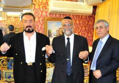 From left: Mr. Adnan Oktar, The Chief Rabbi of Geneva Rav Dr. Izhak Dayan, Dr. Mordechai Kedar