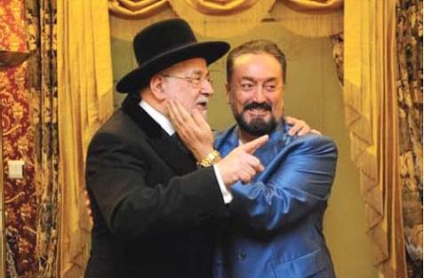 Adnan Oktar (R) with former Israeli Chief Rabbi Israel Lau