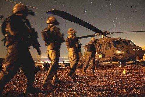 Israeli soldiers boarding a helicopter during the Second Lebanon War. August 12, 2006.