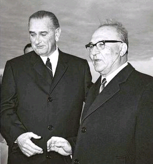 U.S. President Lyndon Johnson and Israeli Prime Minister Levi Eshkol at Randolf Airbase, Texas, June 1, 1968.