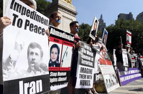 iran-ahmadinejad-new-york-united-nations-protestjpg-ecf46a65a8a1081a