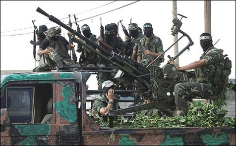 Soldiers of the Ezzedine al-Qassam Brigade, of the Hamas.