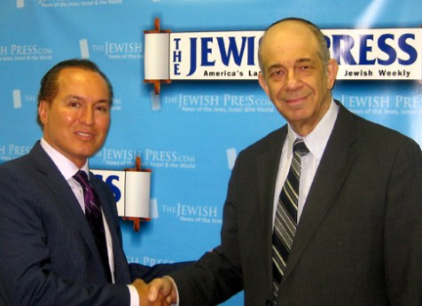 Peter Vallone, Jr. (left) and Jerry Greenwald, managing editor of The Jewish Press, at the JP office.